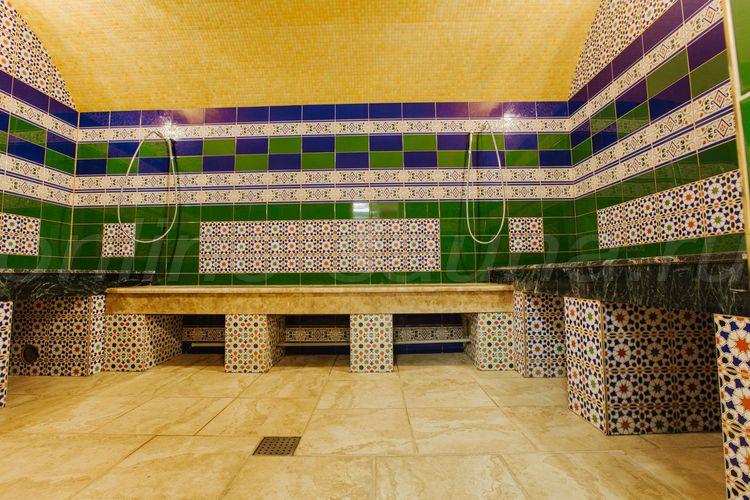 Трио, городская баня